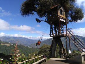 Casa del Arbol schommel in Baños Ecuador reisadvies