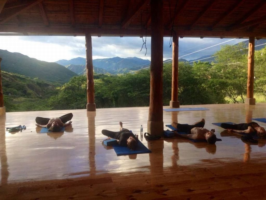 Yoga in de Izhcayluma Lodge in Vilcabamba Ecuador