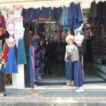 Traditionele stoffen op de markt van Otavalo