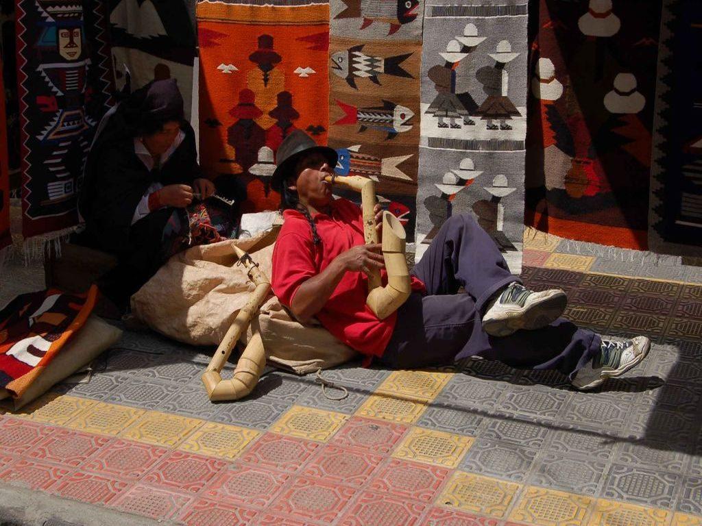 Panfluit speler in Peguche Otavalo