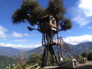La Casa del Arbol boomhut schommen Baños Ecuador reizen