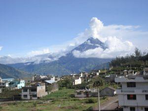Tungurahua vulkaan veiligheid Baños Ecuador reizen